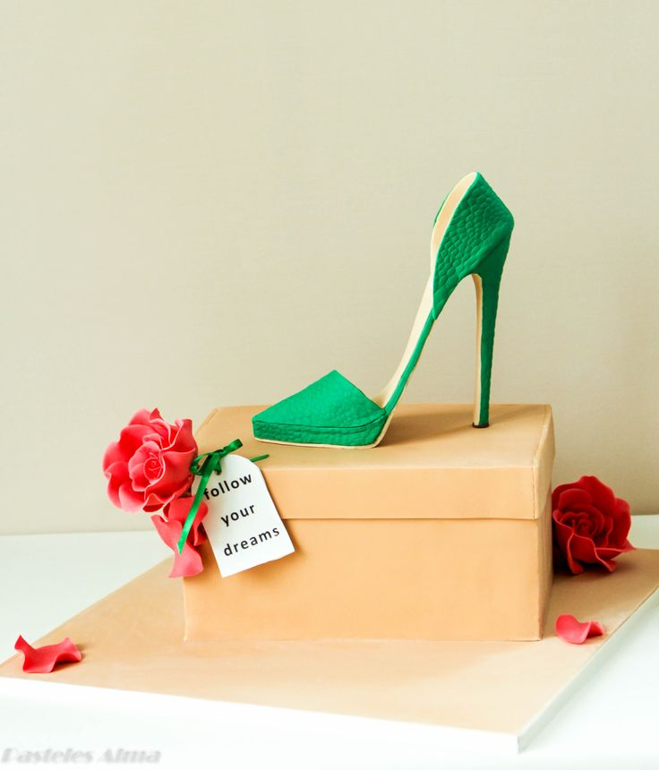 Emerald Green High Heel - Emerald green High Heel    This has been a 40th Birthday Cake