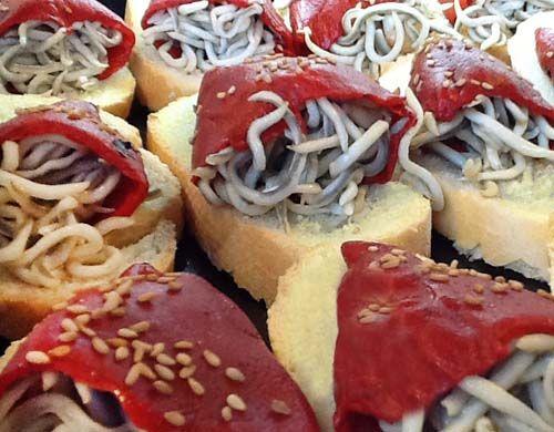 Pincho de gulas y piquillos divina cocina recetas de for Divina cocina canapes