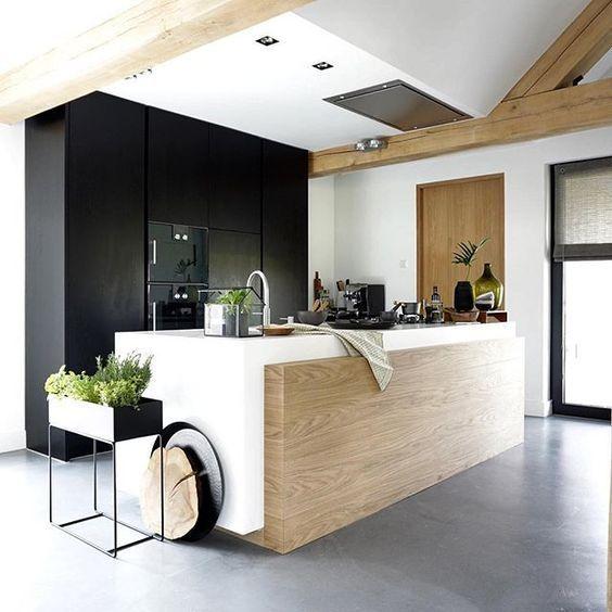mooie combi, deze keuken heb ik meermaals gezien  Design on a budget - everythingelze.com