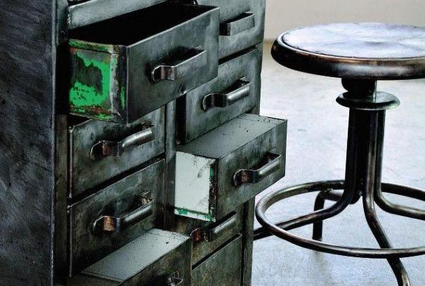 photo d'un mobilier industriel