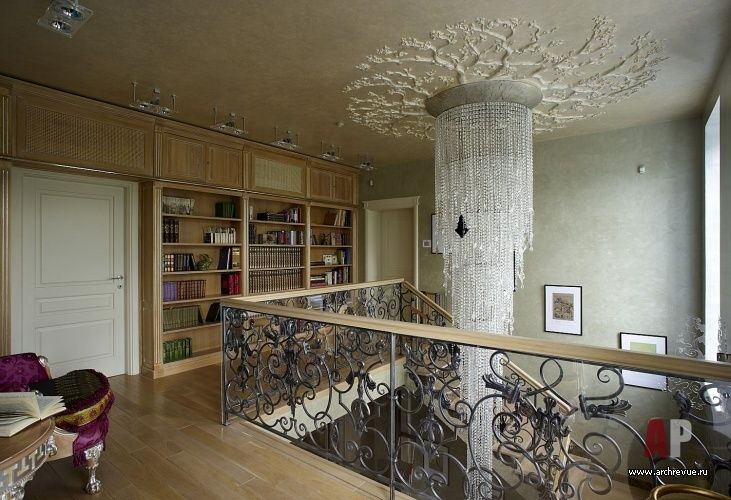 Фото интерьера библиотеки дома в стиле фьюжн Фото интерьера лестницы дома в стиле фьюжн