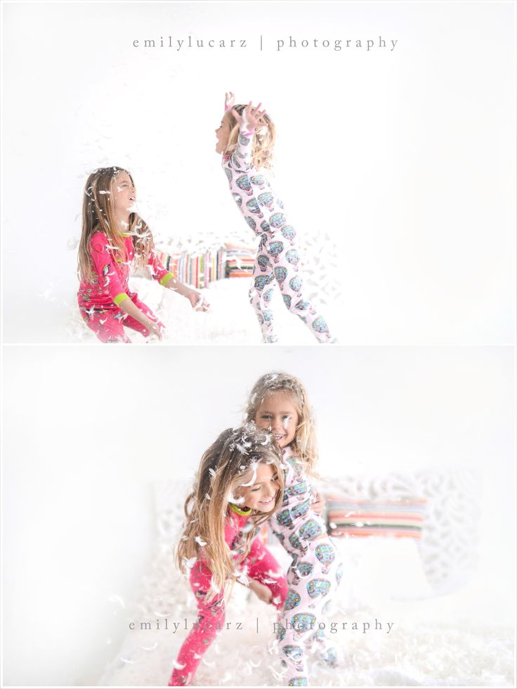 Photography studio ideas. jumping on the bed photo. St Louis children's photographer. www.emilylucarzphotography.com