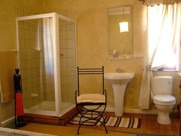 Langerug Guesthouse - Welcome to Langerug Guesthouse in Worcester, where we offer you a warm, relaxed and hospitable stay in three stylishly decorated bedrooms.  Two rooms are en-suite and one has a separate bathroom. Enjoy ... #weekendgetaways #worcester #southafrica