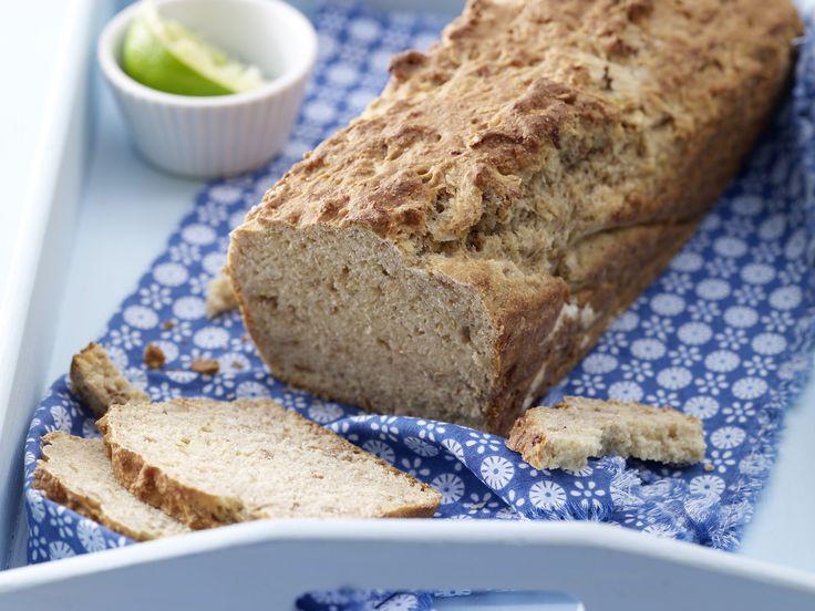 Knuspriges Buttermilchbrot - mit Bananen und Honig - smarter - Kalorien: 149 Kcal - Zeit: 20 Min. | eatsmarter.de Dieses Brot wird mit Buttermilch gemacht.