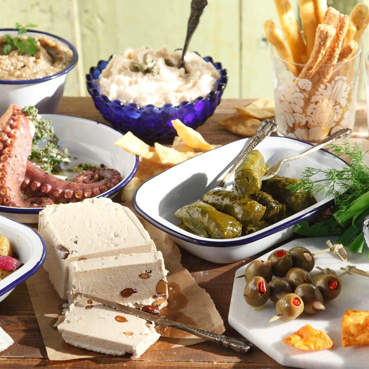 Clean Monday's Lenten and delicious appetizers land on your table from all over Greece…just a click away from you! Because fasting can be…gourmet!
