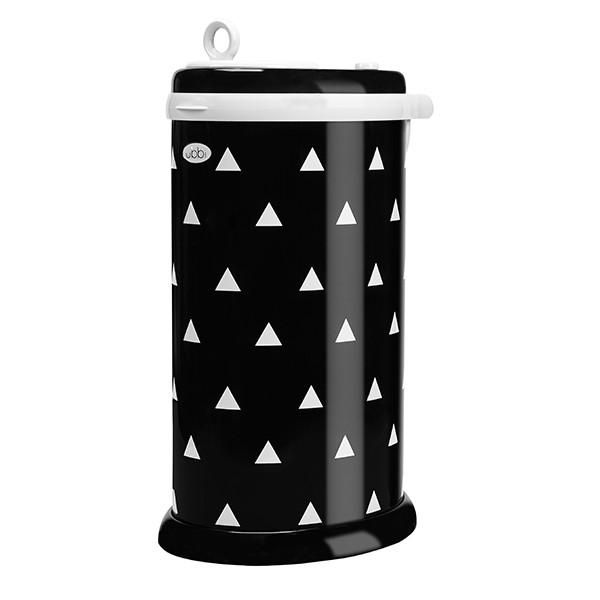 The Ubbi diaper pail is made of powder-coated steel to achieve maximum odor control. It is equipped with rubber seals that are strategically designed to lock in