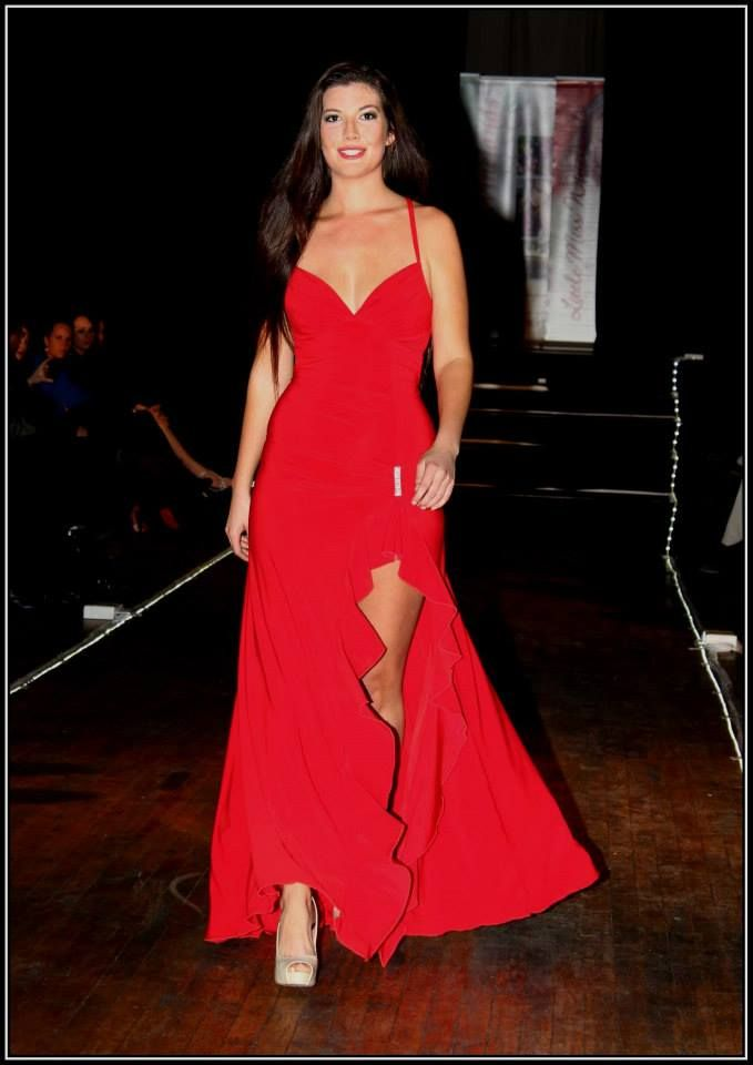 Red evening dress with diamante detail and high slit - R685