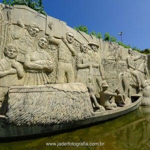 sisters in travel-pontos históricos de boa vista-monumento aos pioneiros-foto jader souza