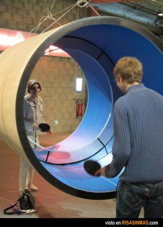 Nuevo deporte: el tubo pong.