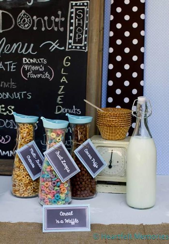 Milk & Doughnuts Party: cereal bar