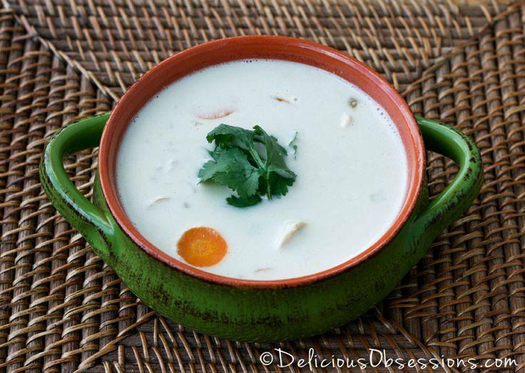 Creamy Green Chili Chicken Soup (grain, gluten, and dairy free) // DeliciousObsessions.com