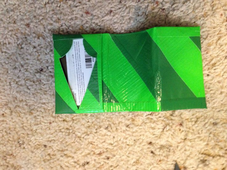 Green arrow duct tape wallet
