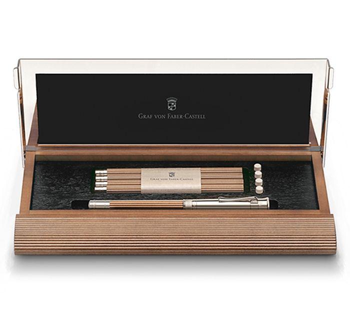 「完璧な鉛筆」そう言ってしまっていいでしょう。 今回ご紹介するのは、日本でも有名なドイツの文具ブランド Fab […]