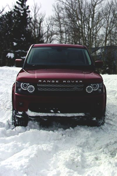 Do you own a #RangeRover? Share it on the online community for #car enthusiasts, Garagesocial.com!