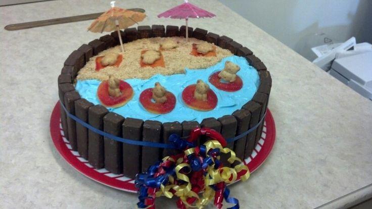 Kit Kat teddy graham beach cake