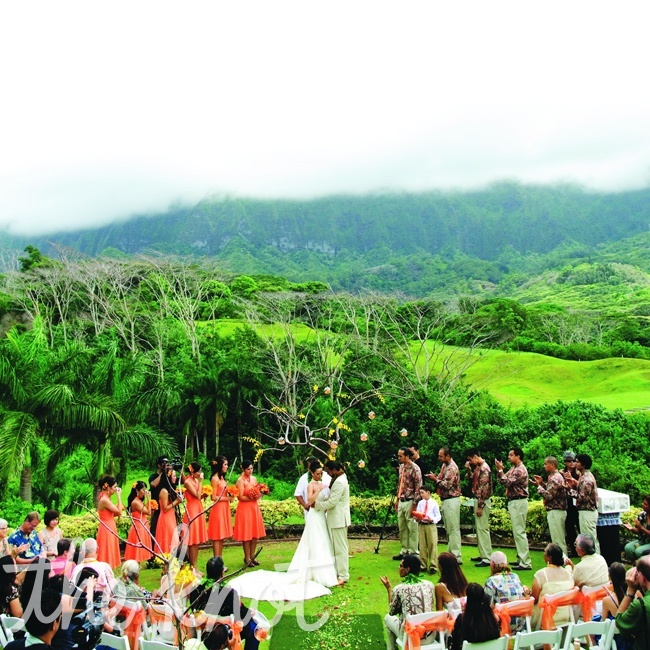 Waikiki Beach Wedding Ceremony: 8 Best Venues We Love! Images On Pinterest