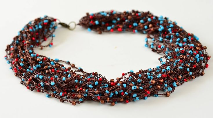 Crochet necklace from Outstanding Crochet made with coat thread and beads