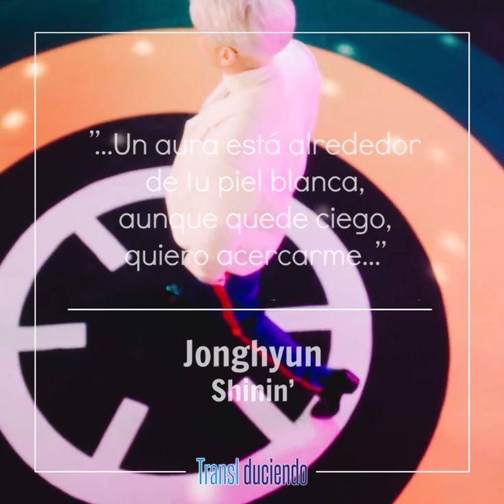 """Poet   Artist, es el álbum póstumo que actualmente se está promocionando, en él se reúne el trabajo más reciente de Jonghyun (SHINee) justo antes de su deceso. Mostrando una vez más todo su talento, las ganancias recibidas por la venta de su álbum serán destinadas a la madre del artista y a una fundación. La letra traducida completamente al español de """"Shinin'"""" la canción principal de este proyecto, está publicada en el siguiente enlace:  #Jonghyun #Shinin' #PoetArtist #SHINee #KPop"""
