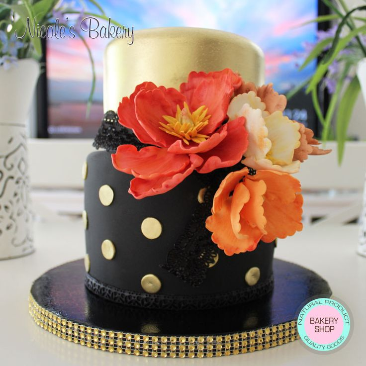 Elegant and stunning tiered cake with beautiful and colorful flowers handmade. Everything is edible. Irresistible vanilla cake with Bailey's irish cream buttercream filling. Great cake for any celebration. Elegante y maravilloso pastel de dos pisos con bellas y coloridas flores hechas a mano. Todo es comestible. #birthday #engagement #bridalshower #wedding #birthdaycake #engagementcake #bridalshowercake #weddingcake #flowers #handmadeflowers #cake #cakedecorating