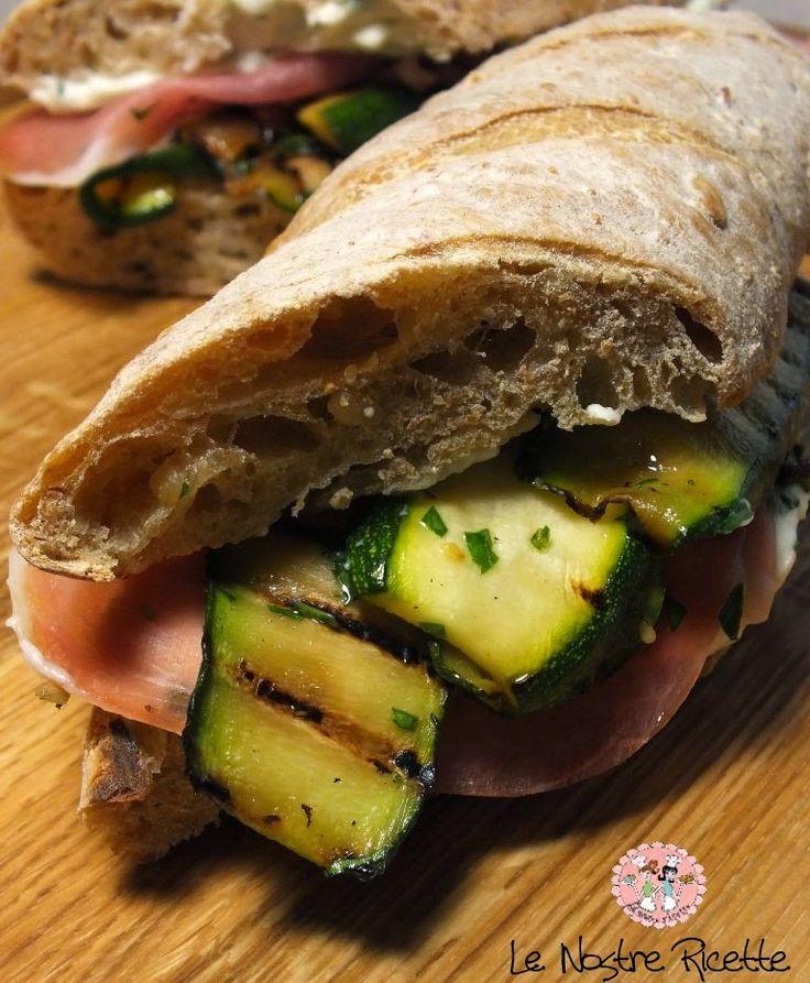 Le nostre Ricette: Panino con zucchine grigliate, crescenza e prosciutto crudo