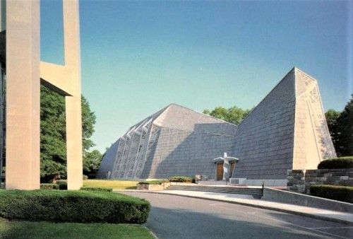First Presbyterian Church (1958) in Stamford, USA, by Wallace K. Harrison