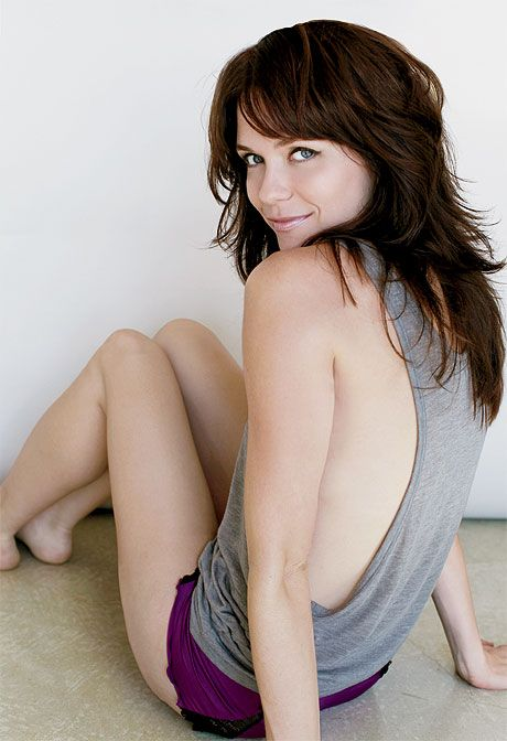 I am obsessed with Katie Aselton from FX's The League... love her hair, clothes, and overall style.