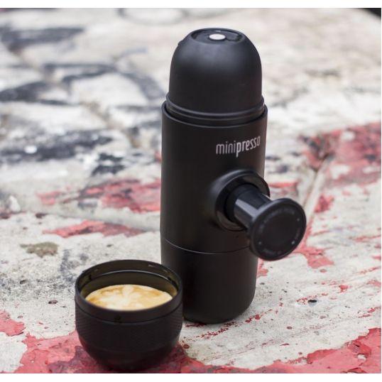 Przenośny ekspres do kawy Minipresso - zawsze pyszna i aromatyczna kawa  #kawa #minipresso #espresso #latte #ekspres #dlaniej