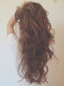 Cute Hairstyles for Curly Hair - 13