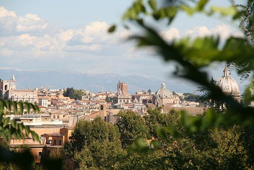 When you need a break from Rome's top tourist attractions, head to these five green and free parks for relaxation, rooftop views and picnics.