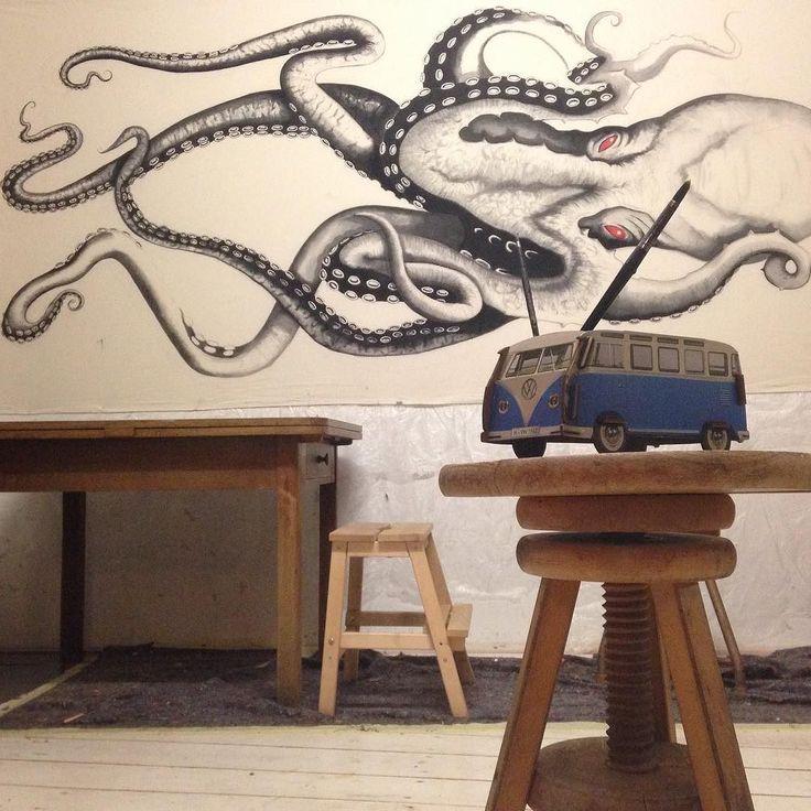 Enjoy your Weekend  (Ink on Canvas (16 x5 Meter!!!) #workinprogress #scribble #thekraken #kraken #krake #artofdrawingg #art #drawing #illustration #art_sta_gram #artist_sharing #worldofartist #nawden #painting #color #vwbus #artandtalent #artstag #artwork #kidswhocreate #bloodflood #moanart  #oceanart #youmeandthesea #tentakel #instaart #octopus #arts_help #weekend #werkhaus by lisahelenn