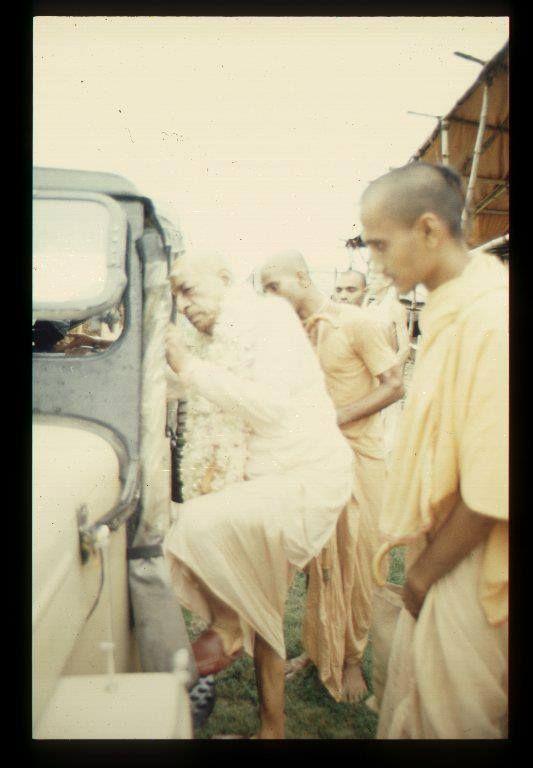 Jaya Srila Prabhupaad!!!!!!!!