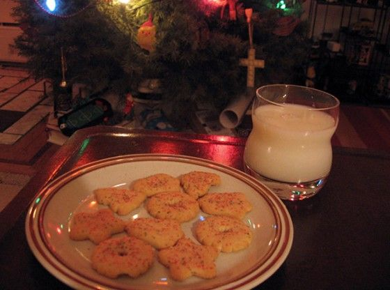 When it comes to packaged holiday cookies, nothing tugs at the heart like Jingles sugar cookies.  --Photo Credit: Carolyn Wyman