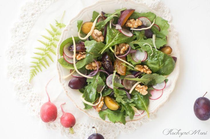 Französische Küche, Salatteller, französischer Salat, Herbstsalat, Vinaigrette, Salat mit Pflaumen, Salat mit Bergkäse, würziger Käse, ein feiner Salatteller, Salatrezept als Vorspeise, Salat mit Radieschen, Rucolasalat, Spinatsalat, für Gäste, Mädchensalat, Rezept für Spinatsalat