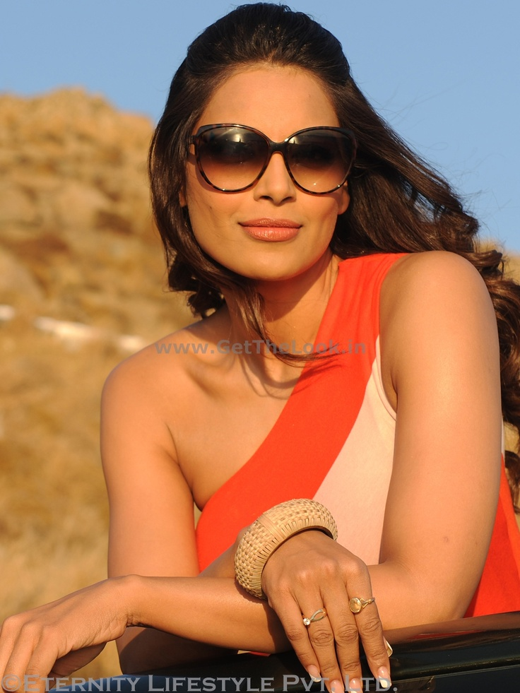 This summer stand out with a very funky pair of sunglasses just like Bipasha Basu does in 'Jodi Breakers'.