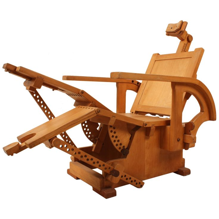 relaxchair sculpture in beech wood hand-made #nesthappyhomes http://www.youtube.com/watch?v=vLmFSloPmk8