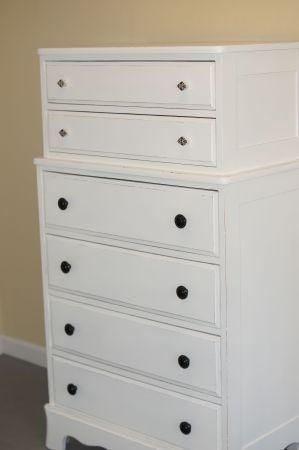 pretty white dresser: White Dressers, Honeymoon Suite, Pretty White, Bedroom Ideas