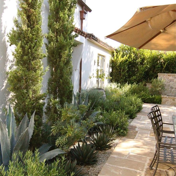 Classic Patio Ideas In Mediterranean Style: Best 25+ Italian Patio Ideas Only On Pinterest
