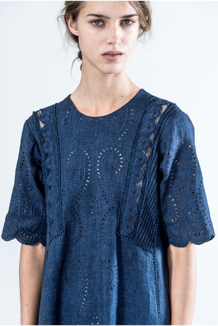 <Vanessa Bruno SS15> Vanessa Bruno usually chase feminine looks. It is used denim with lace so made feminine dress.