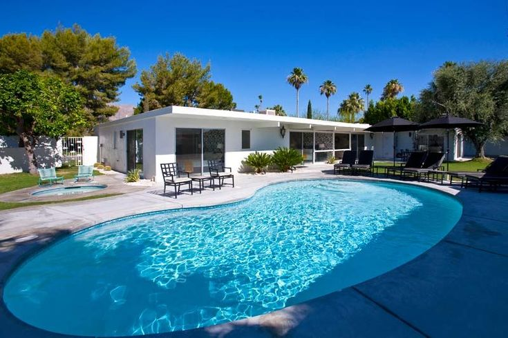 Villa Moda - Travel Keys. Experience the best of Palm Springs style at this private, centrally located 5 bedroom home. Reminiscent of the Palm Spring's Vice...