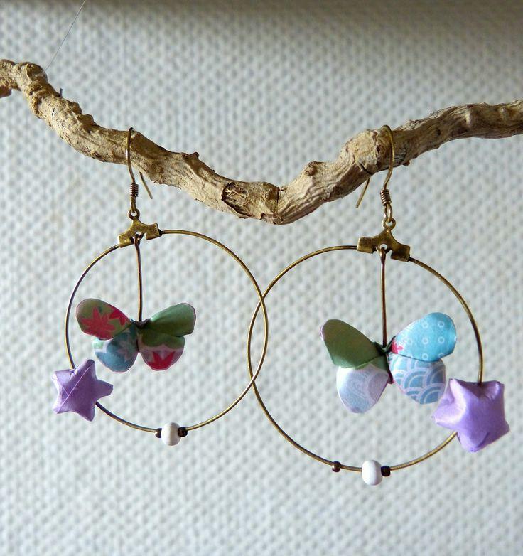 """Boucles d'oreilles en Origami """"Le papillon des étoiles"""" vert clair en créoles : Boucles d'oreille par mademoiselle-origami"""