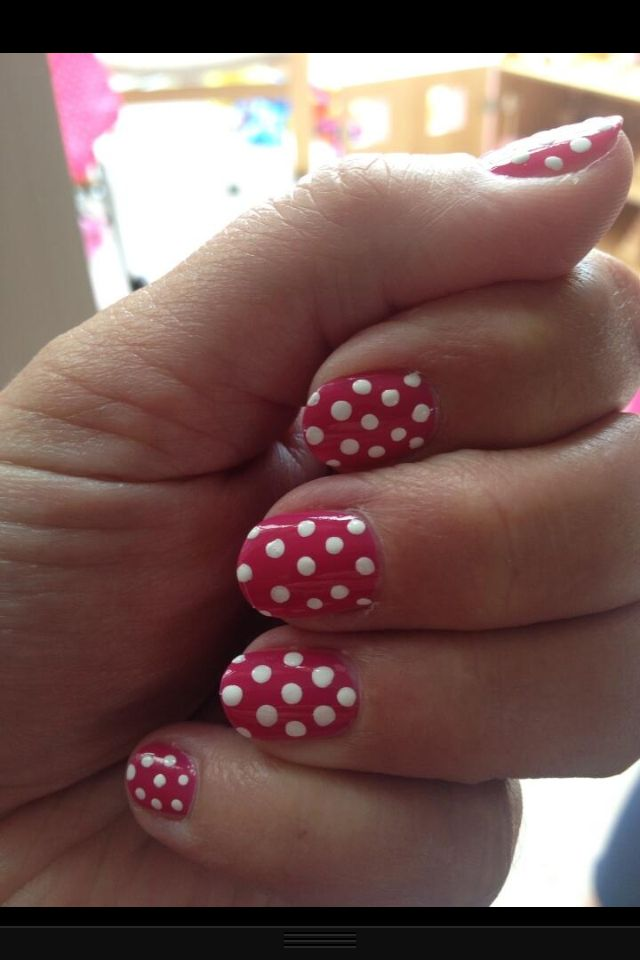 Toadstool nails