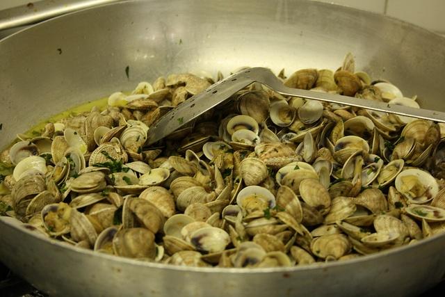 Cooking seashell, Hotel Nizza, Rimini IT, via Flickr