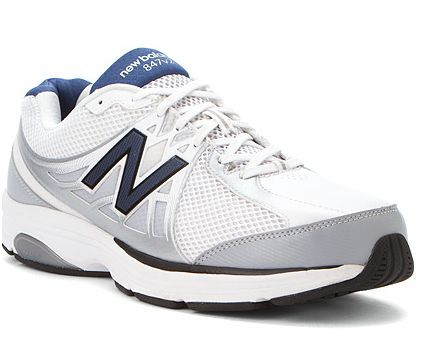 Best mens walking shoes for 2017. Recommendations for flat feet, high arches, overpronation and underpronation.