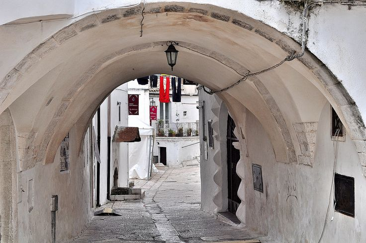https://flic.kr/p/BW16Xa | Archi | Puglia, Monte Sant'Angelo