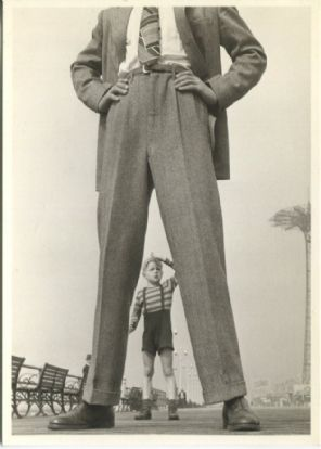 W & G Postcard, Small Fry and Giant, Photo by Roy Pinney (1945)