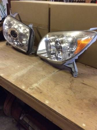 2006 – 2009 PAIR TOYOTA 4-RUNNER REPLACEMENT HEADLIGHTS $125