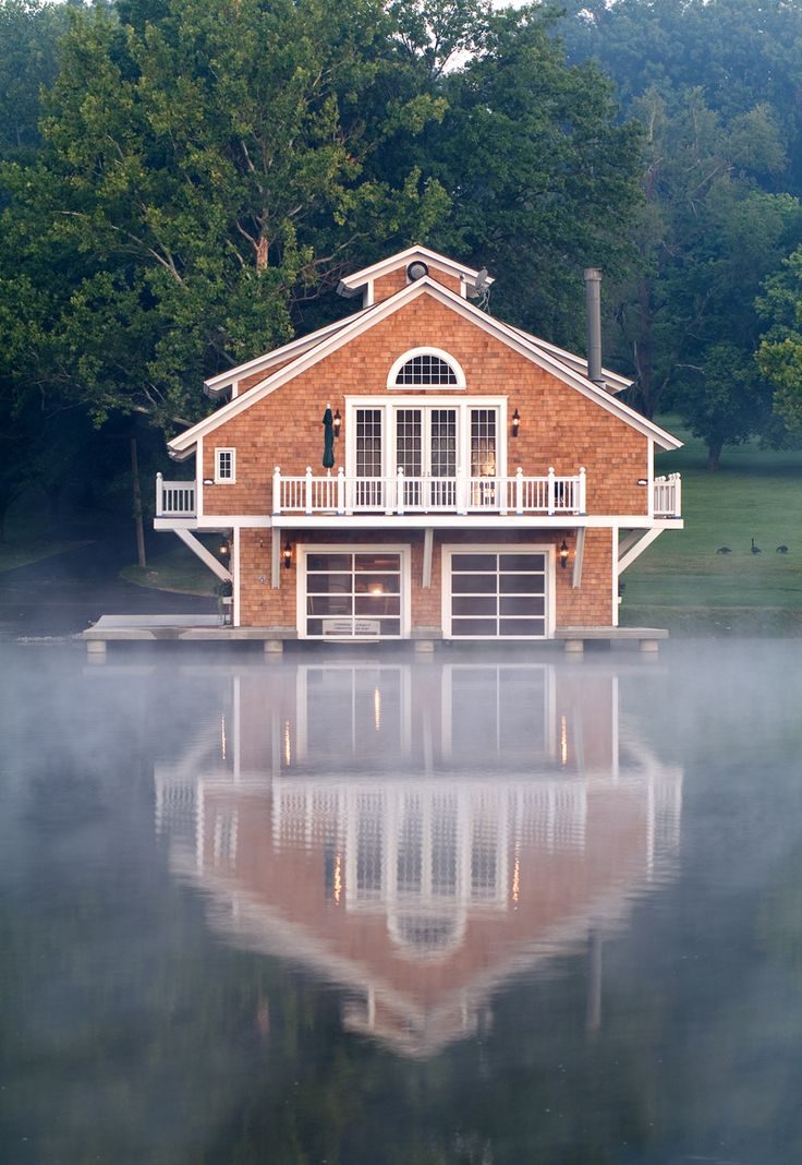 17 best images about floating houses on pinterest water for Boat garage on water