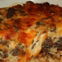 Cheeseburger in paradise casserole: 1 lb lean ground beef  1 large onion (chopped)  1/2 teaspoon of seasoned salt  1/2 teaspoon of garlic powder  a dash or worcester sauce  1 cup of shredded cheddar cheese (I used 3/4 cheddar and 1/4 mozzarella)  1 cup of milk  1/2 cup of Original Bisquick mix  2 eggs