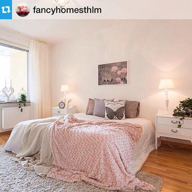 """Tavlan """"Life is beautiful"""" är ju perfekt i detta vackra sovrum! @fancyhomesthlm Tack för bilden! #posters #tavlor #inredningsdetaljer #sovrum #sovrumsinspo"""