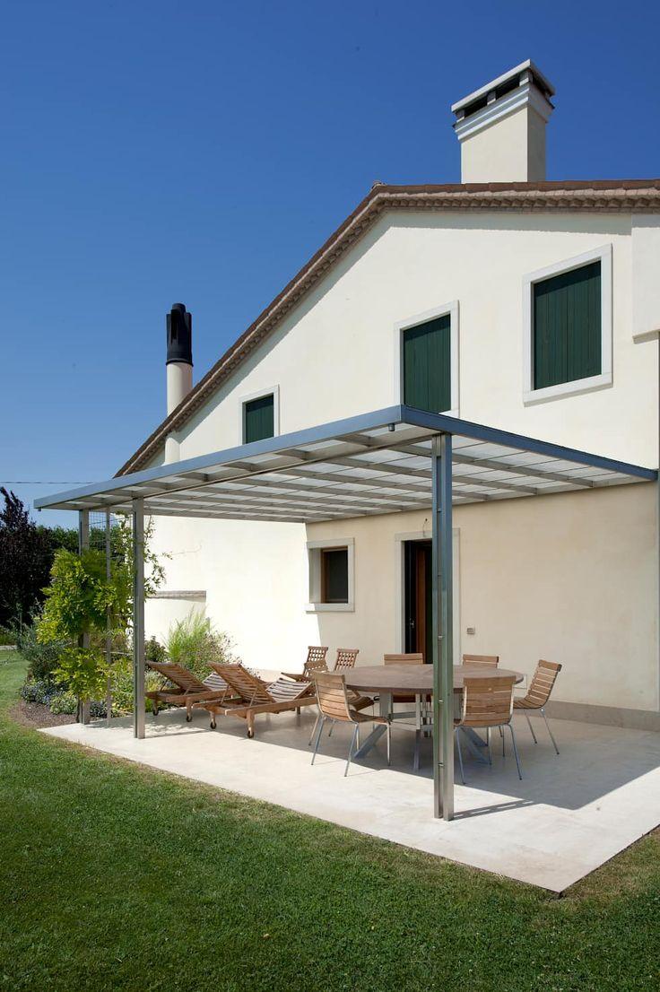 Lormet: Villa: Case in stile in stile Coloniale di Lormet